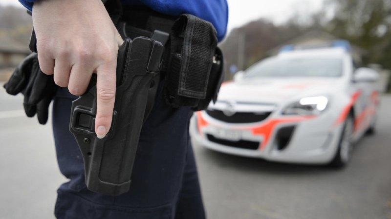 La police cantonale vaudoise avait retrouvé des bouteilles d'essence et des documents sur l'islam au domicile du jeune homme (illustration).