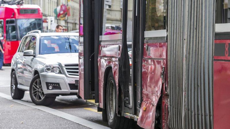 Les accidents sont souvent causés par le mauvais comportement d'automobilistes.