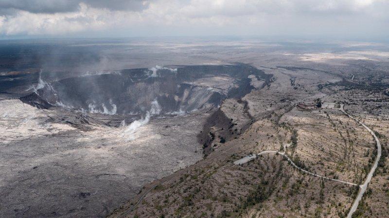 Hawaï: un touriste fait une chute de vingt mètres dans le volcan Kilauea