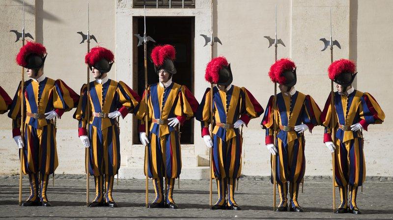 Vatican: Doris Leuthard cherche des fonds pour les gardes suisses