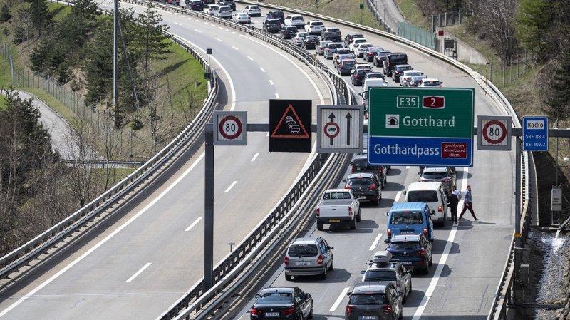 Le retour des vacanciers crée une importante congestion.