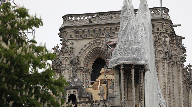 Selon Pamela Anderson, les 100'000 euros auraient plus servi aux enfants de Marseille qu'à la cathédrale qui dispose déjà de plus d'un milliard d'euros de dons.