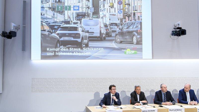Trafic routier: l'UDC veut lutter contre les bouchons, les amendes excessives et les taxes