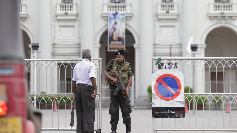 Sri Lanka: les églises restent fermées, les catholiques regardent la messe à la télévision