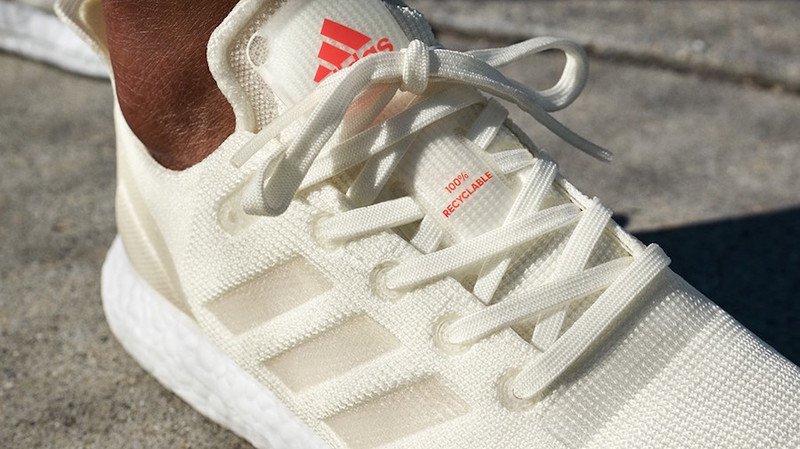 Adidas présente sa première chaussure de course 100%...