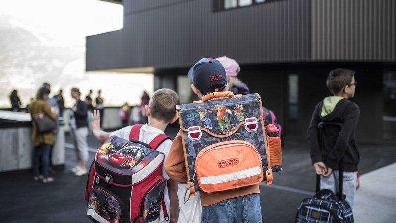 Dès la rentrée scolaire 2019-2020, les parents ne devront plus payer les frais et les activités qui figurent dans les objectifs du plan d'études romand.