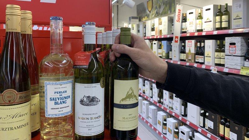 Le chiffre d'affaires par région viticole est en baisse partout par rapport à 2017, sauf dans le canton de Vaud qui a grignoté une part de marché des vins valaisans, pénalisés par une faible production liée au gel et aux intempéries.