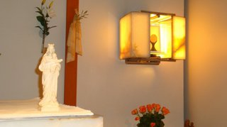 Une semaine de célébrations pour dix ans d'adoration permanente à Fully