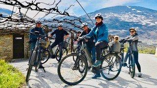 Œnotourisme à Sion: une première à vélo électrique