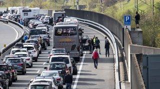 Week-end de Pâques: le portail nord du tunnel du Gothard encore embouteillé sur 12 km