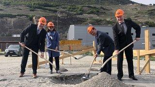 Saint-Léonard: l'entreprise Gotec SA pose la première pierre de son futur site de production de Mangold