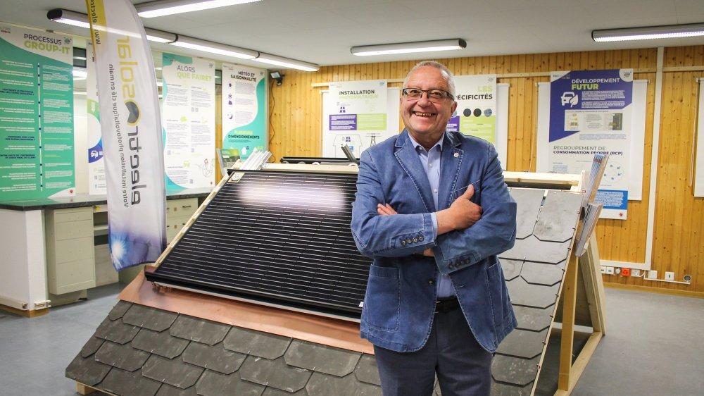 Claude-Alain Boand, conseiller communal chargé du projet, pose dans cette exposition à vocation didactique et pratique.