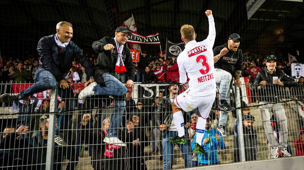 La joie d'Andre Neitzke en dit long sur l'importance de cette victoire pour le FC Sion, qui compte désormais quatre points d'avance sur son adversaire du jour, barragiste, à deux journées de la fin du championnat.