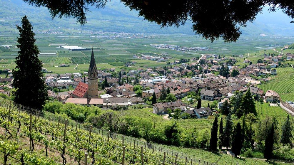 Environnement. Paysage typique du Tyrol du Sud, région particulièrement ensoleillée.