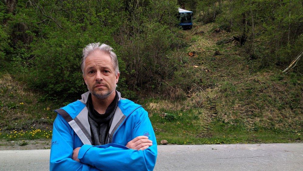 Sébastien Lipawsky durant la récupération du véhicule.
