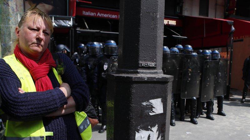 """France: pour l'acte 26, l'essoufflement des """"gilets jaunes"""" se confirme"""