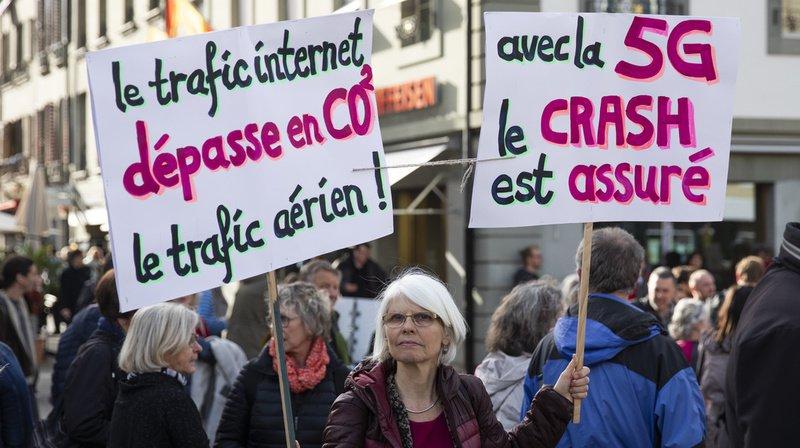 Télécommunications: des centaines de personnes ont manifesté contre la 5G à Berne