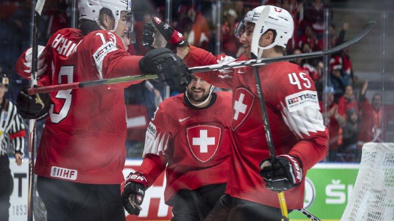 C'est une nouvelle fois la ligne Kevin Fiala, Nico Hischier et Vincent Praplan qui a débloqué le compteur suisse.