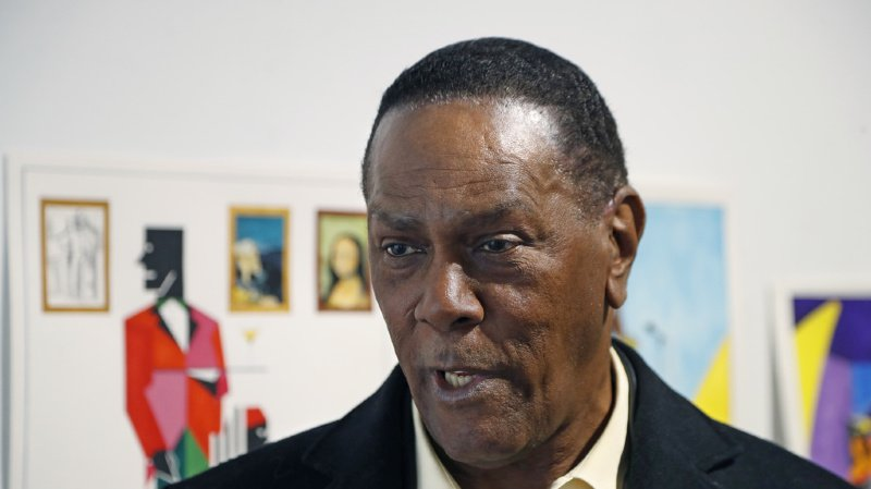 Depuis sa libération en 2018, il subvenait à ses besoins en vendant des tableaux qu'il avait peints en prison.