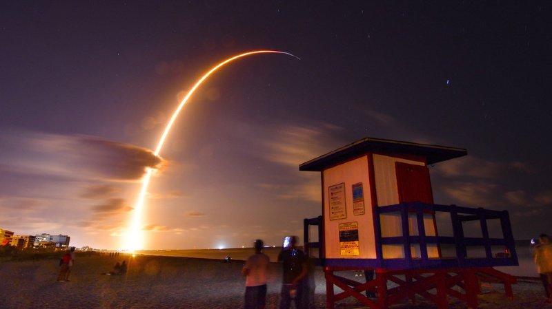 Espace: SpaceX a lancé les 60 premiers mini-satellites de sa constellation «Starlink»