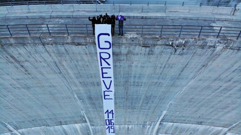 Une action féministe au barrage des Toules un mois avant la grève des femmes