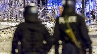 Émeute à Berne: barricades en feu et attaques contre des policiers près de la Reitschule