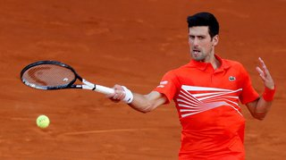 Tennis: Djokovic trop fort pour Tsitsipas à Madrid