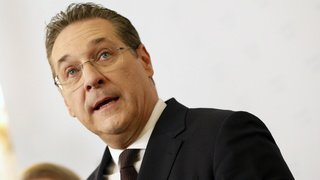 Autriche: piégé par une vidéo, le vice-chancelier Heinz-Christian Strache se retire