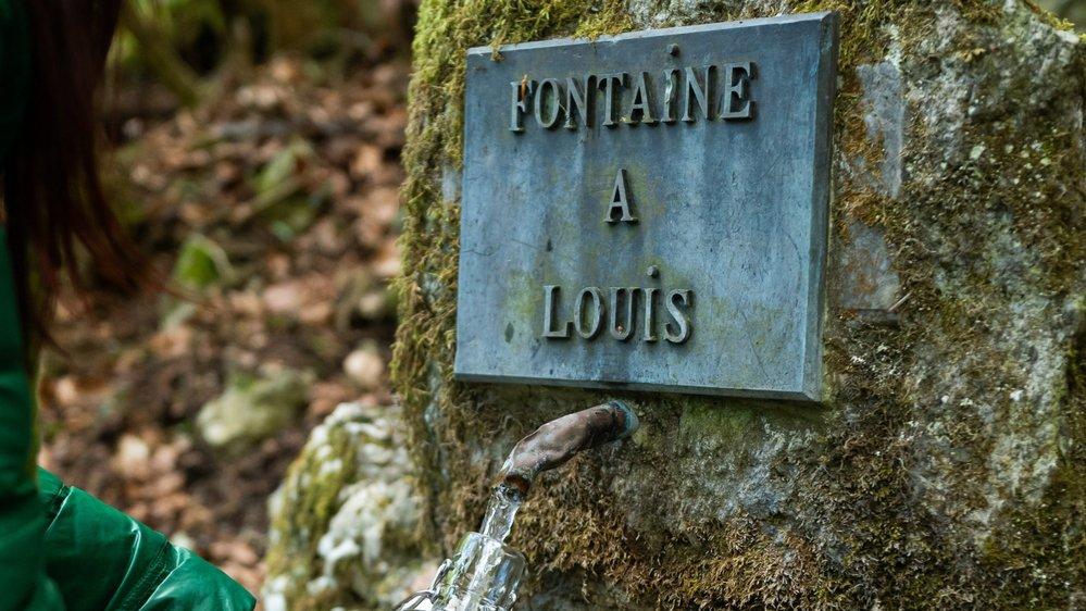 La Fontaine à Louis, à Môtiers. Très froide, cette eau renferme un potentiel énergétique important.