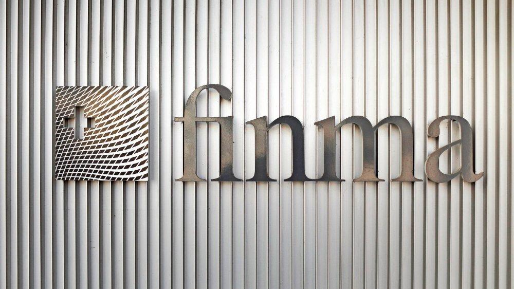 L'autonomie opérationnelle de la Finma est un principe ancré dans la loi... mais son application soulève  des critiques récurrentes, émanant principalement des premières concernées, les banques.
