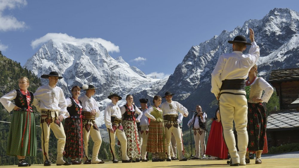 Une prestation folklorique à Arolla, à 3000 mètres d'altitude, constituera l'un des temps forts du rendez-vous de cet été dans le val d'Hérens.