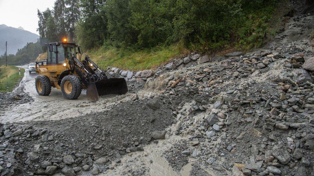 Depuis août 2018, la route entre Vex et Euseigne est fréquemment obstruée par de la lave torrentielle.
