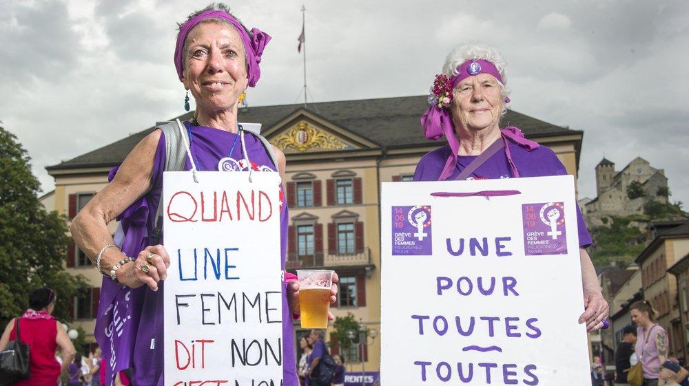 Nous sommes partis à la rencontre des visages et des slogans de la grève des femmes du 14 juin 2019. Ici Maria Carbonell Solis, 64 ans et Cléa Robin, 73 ans.