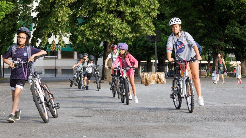 Dans le domaine de la mobilité douce, les écoles de Martigny veulent renforcer et encourager l'accès à l'école à pied, à vélo ou en trottinette.