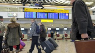 Climat: 40% des Suisses se disent prêts à moins prendre l'avion, voire à y renoncer totalement