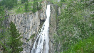 Purges des cours d'eau: appel à la prudence lancé en Valais