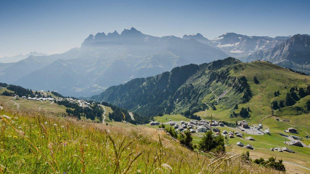 Propriétaire d'un chalet aux Crosets (Val d'Illiez), Jean-Pierre Mérot s'insurge contre la méthode de calcul de la taxe de séjour.