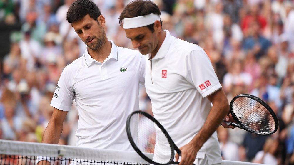 Novak Djokovic n'est plus qu'à quatre longueurs de Roger Federer après son titre à Wimbledon.