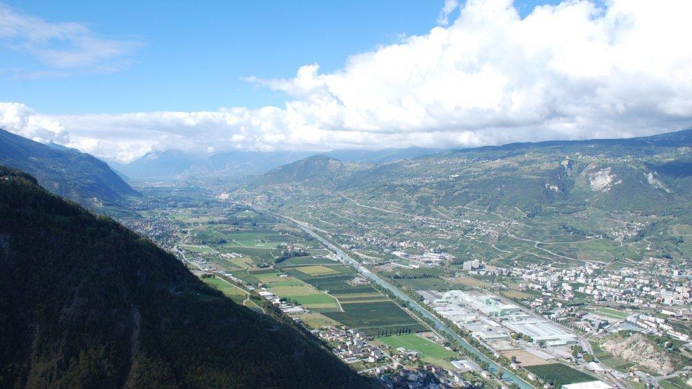 Depuis la fin des années 2000, le district de Sierre n'a de cesse d'être remodelé par les rapprochements communaux.
