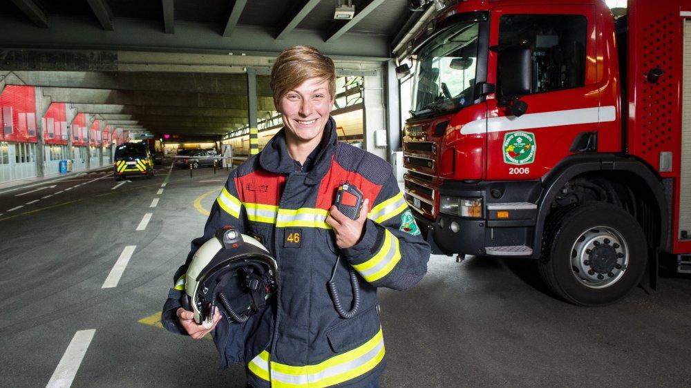 En tant que sapeur-pompier professionnelle au tunnel du Grand-Saint-Bernard, Valérie Roos est prête à se battre contre les flammes et les clichés.