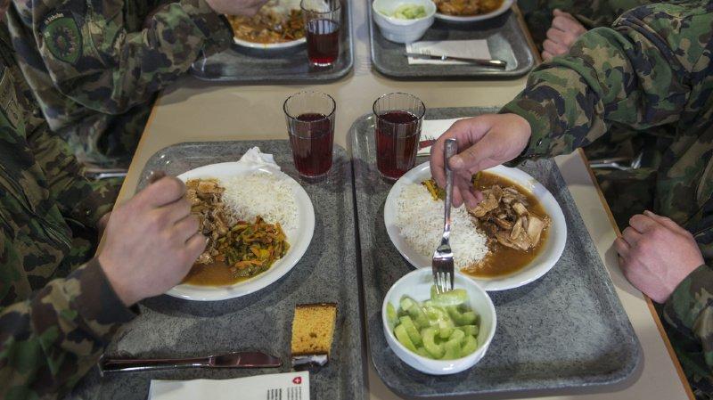 Quatre recrues dans un état critique — Intoxication alimentaire
