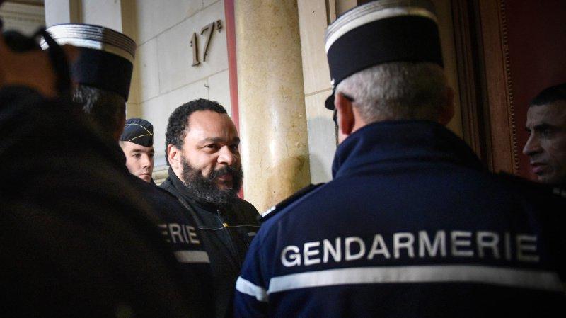 Dieudonné condamné à 2 ans ferme pour fraude fiscale et blanchiment