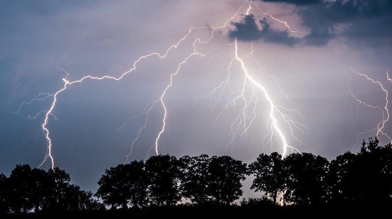 Météo: violents orages annoncés pour lundi et mardi