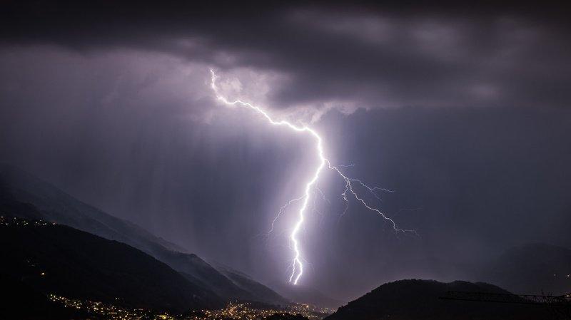 Météo: une nuit d'éclairs met la canicule entre parenthèses en Suisse