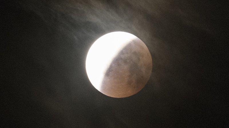 Astronomie : une éclipse lunaire partielle observée mardi
