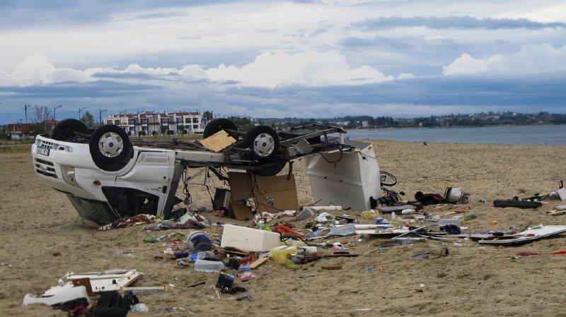 Grèce: une violente tornade a tué au moins 7 touristes et fait 23 blessés