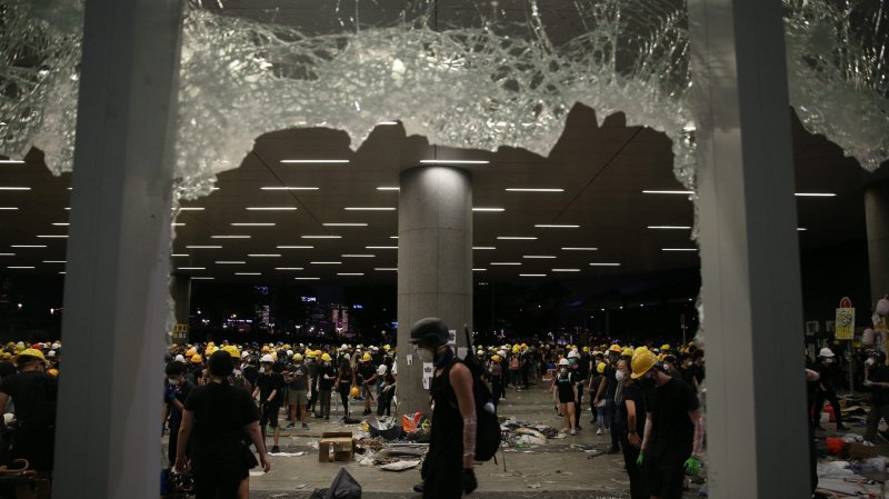 Nouvelle escalade  de violence à Hong Kong