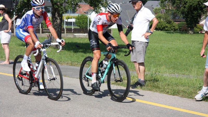 Sébastien Reichenbach et Simon Pellaud se sont retrouvés seuls en tête à deux tours de l'arrivée.