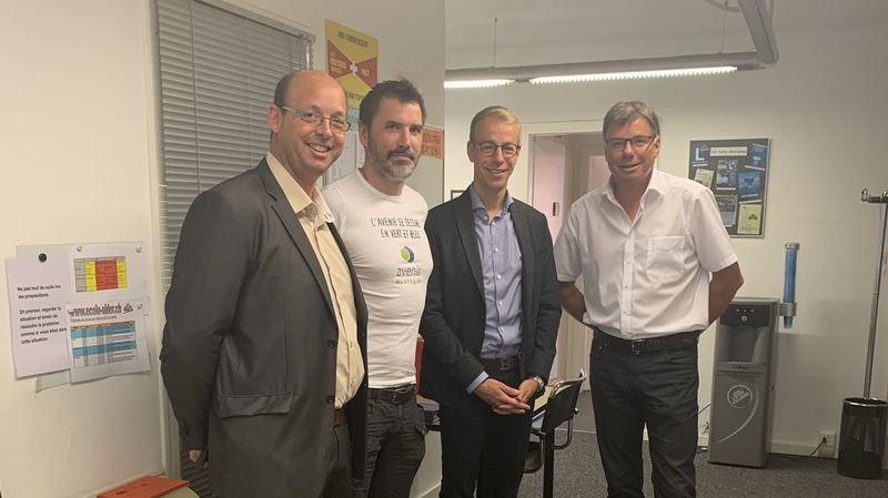 Raphaël Antonier (candidat), David Crettenand (président d'Avenir Ecologie), Florian Piasenta (candidat) et René Constantin, président du PLR, à l'heure de dévoiler les deux listes du mouvement pour les fédérales.