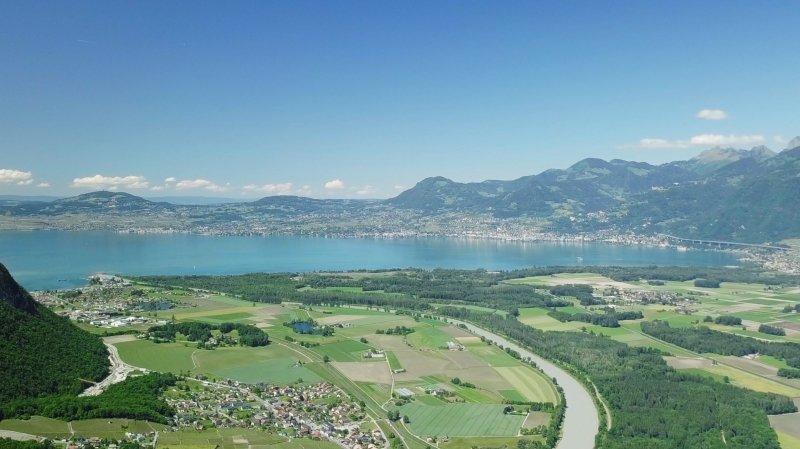 «Le Valais depuis les airs»: vol au-dessus du Bouveret